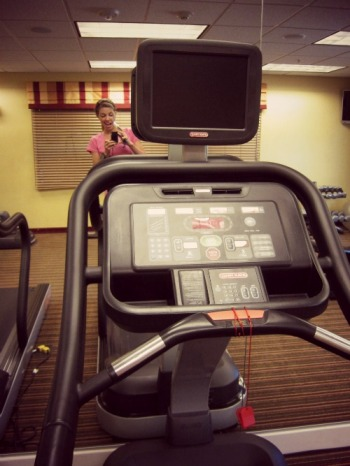Hotel room treadmill...you can still stay fit and feel good on vacation (stronglikemycoffee.com)
