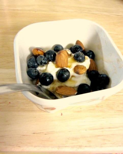 Clean dessert parfait (stronglikemycoffee.com)