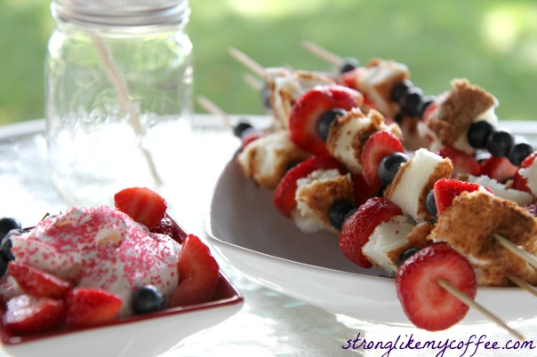 Fresh and Fun 4th of July Healthy Dessert  Dessert Kabobs from Stronglikemycoffee.com
