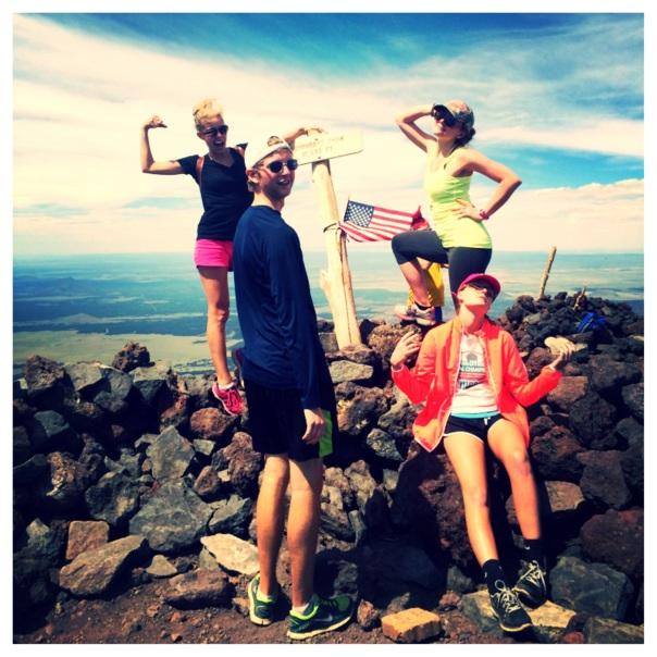 Hiking Mt. Humphreys // group at summit (stronglikemycoffee.com)