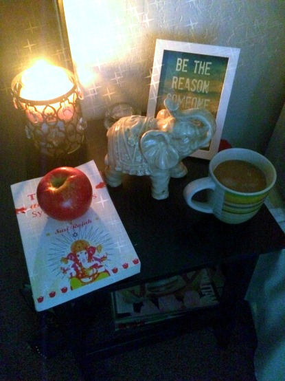 My nightstand (stronglikemycoffee.com)