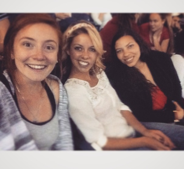 A blonde, a brunette and a redhead at the Band Perry concert  Stronglikemycoffee.com