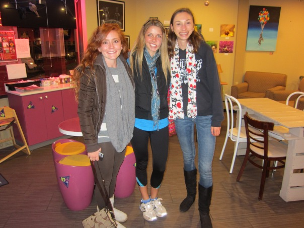 Sophomore Year Froyo Hangout | Stronglikemycoffee.com