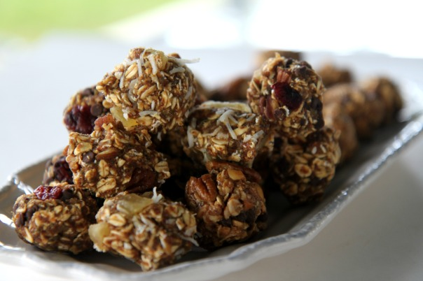 Homemade Clean Eating Protein Bites Recipe  Stronglikemycoffee.com
