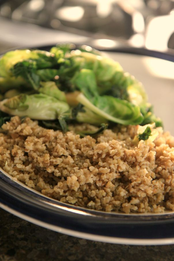 Freekeh cooked with Garlic Ginger Greens Stronglikemycoffee.com