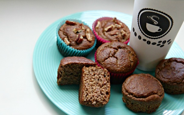 Healthy Honey Nut Banana Muffins on the Blog Stronglikemycoffee.com