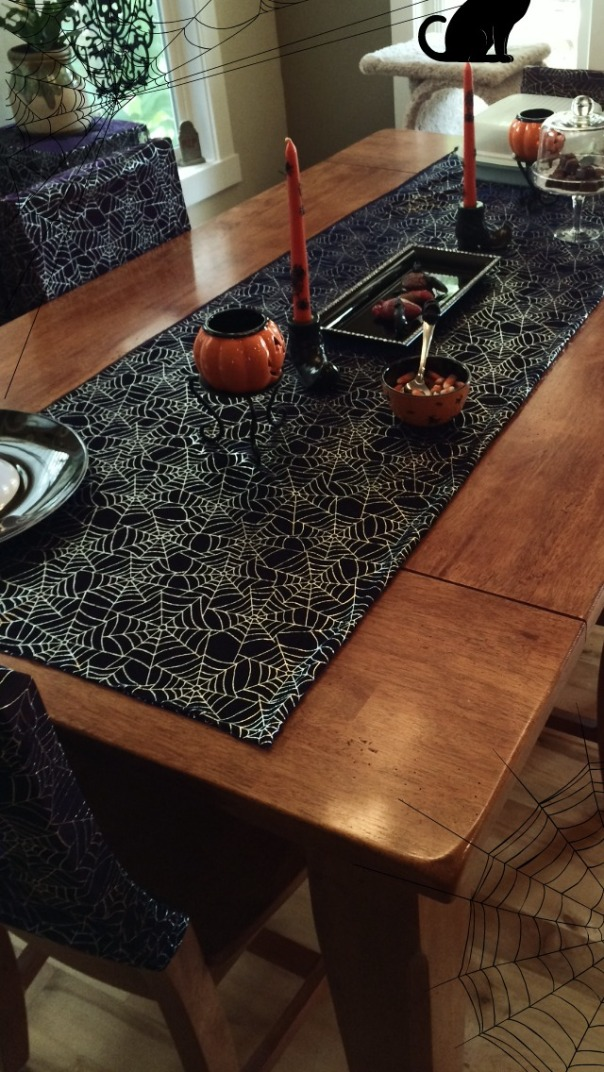 haunted-dinner-party-table-stronglikemycoffee-com