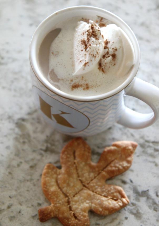 pie-crust-leaf-cut-out-with-coffee-stronglikemycoffee-com